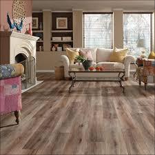 Linoleum Flooring That Looks Like Wood by Linoleum Wood Flooring Floor Stunning Vinyl Flooring Lowes Sheet
