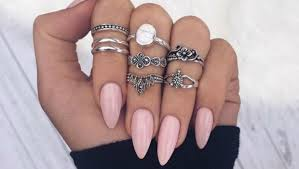 25 s to Show You How y the Almond Nail Shape Looks