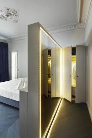 coole gestaltungsideen mit beleuchtetem spiegel im