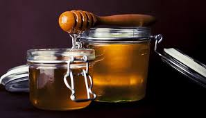 Health Benefits of Eating Honey Before Bed