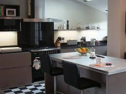 cuisine de caractere un cuisiniste haut de gamme à une cuisine avec ilôt