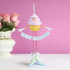 birthday cupcake fig w flowers