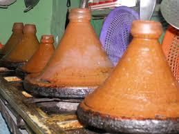 cuisiner avec un tajine en terre cuite tajine destination maroc