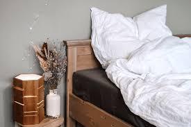 mehr gemütlichkeit im schlafzimmer 5 tipps seit1832