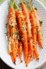 cuisiner les carottes facile et rapide la recette des carottes rôties à l ail et