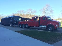 Truck Repairs, Towing - Brookfieldtow.com - Brookfield, Ct