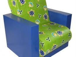 le fauteuil en pour enfant hadam aux couleurs toniques par