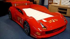 chambre voiture garcon lit voiture pour enfant