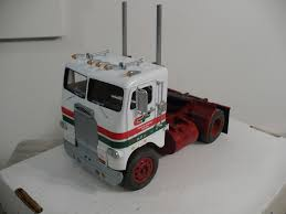 AMT Freightliner Cabover, Single Screw - FineScale Modeler ...