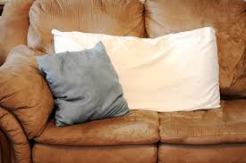 How to Get Rid of Mold & Mildew From Pillows