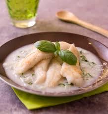 cuisiner merlan filets de merlan au lait de coco basilic et gingembre frais les