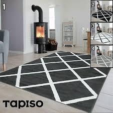 teppich kurzflor grau schwarz weiß gestreift designer