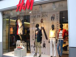 Case Study Paris Store Windows And The Power Of Display