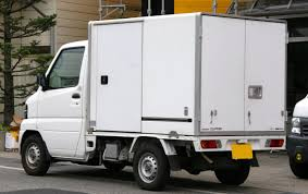File:2005 NISSAN CLIPPER TRUCK Refrigerator Rear.jpg - Wikimedia Commons