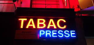 bureau de tabac a proximité quand le bureau de tabac se transforme en agence bancaire