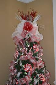 Whoville Christmas Tree Topper by 41 Best Christmas Trees And Toppers Images On Pinterest