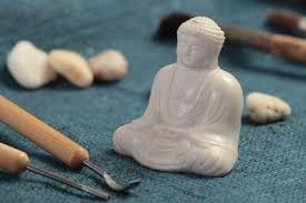 deko buddha figur handmade figur zum bemalen aus polymerharz für wohnzimmer deko