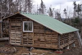 Wood Pallet Buildings 15 Shed
