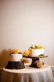 Love The Wooden Cake Stands