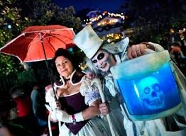 Halloween Warehouse Beaverton Oregon Hours by Here Are The Best Costumes We Saw At Mickey U0027s Halloween Party In
