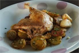 comment cuisiner des cuisses de canard confites cuisse de canard jus corsé pommes de terre à l ail la cuisine c