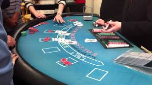 Pai Gow Tiles Strategy by Casino Sending Out Cards Across Multiple Players 01 Youtube