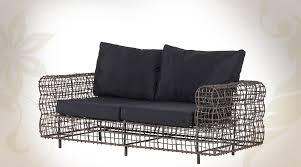 coussin canap design canapé design en métal façon grillage avec coussins