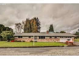 100 Rosanne House 7481 SE St Milwaukie OR 97267 3 Beds15 Baths