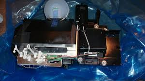 Sony Kdf 50e2000 Lamp Replacement Problems by Optical Block Removal Rebuilding Sony Lcd Rear Projection Tv