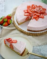 fruchtige erdbeer buttermilch torte bakinglifestories