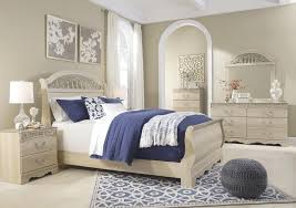 Huey Vineyard Queen Sleigh Bed by Traditional Queen Sleigh Bed With Metal Fretwork By Signature