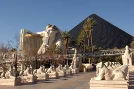 Luxor Casino Front Desk by A Look At Las Vegas Attractions At Each Hotel
