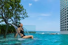 100 Infinity Swimming Pools Holiday Inn Pattaya