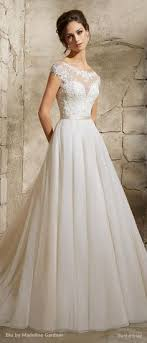 A line Tulle wedding gown Embroidered floral appliques embellished