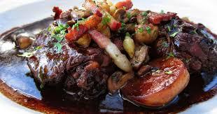 cuisiner un coq coq au vin façon grand mère bourguignonne recette par cuisine