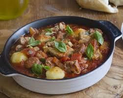 cuisiner un sauté de porc recette sauté de porc au chorizo et aux olives