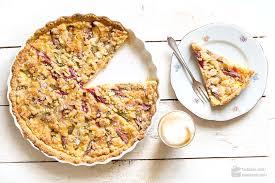 knusprig cremige rhabarber tarte mit vanillepudding