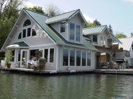 Floating cottage vacation rental in Portland