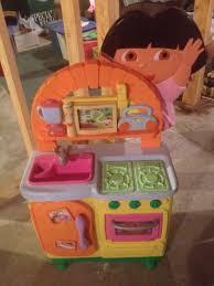 Dora The Explorer Kitchen Playset by Best Dora The Explorer Talking Kitchen Paid Over 100 00 Asking