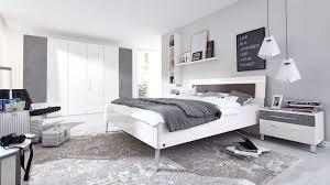 schlafzimmer weiss und grau caseconrad