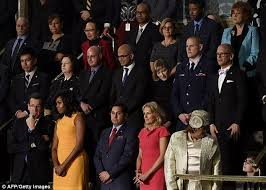 Michelle Obama Empty Chair by Michelle Obama Wears Yellow At Barack U0027s Final State Of The Union