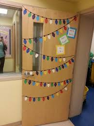 Easy Office Door Christmas Decorating Ideas by Best 25 Christmas Classroom Door Ideas On Pinterest Christmas