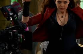 Left Corner Of This Shot Primarily Elizabeth Olsens Scarlet Witch Doing Some Witchcraft Special Effects You Catch The Back Visions Head