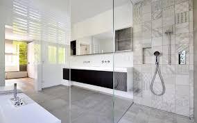 doppelwaschbecken mit spiegelschrank modern badezimmer