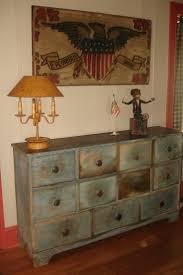 Primitive Living Room Furniture by 118 Best Old House Decorating Images On Pinterest Home