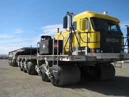 Trucking Along Alaska's 'Ice Road' To Northern Oilfields Freezes To ...
