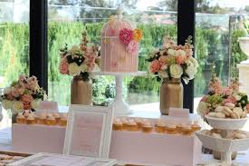 Wedding Buffet Ideas Using Flowers For Table Decorations