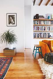 Decorating Bookshelves In Family Room by Best 25 Floating Bookshelves Ideas On Pinterest Bookshelf