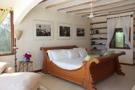 Modern Natural Bedroom Ideas Beach House That Has Cream Floor Can Be Decor With Wooden
