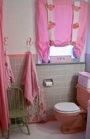 Teenage Bathroom Decorating Ideas by White Bathtub Cream Color Ceramics Borders Shower Decorating Ideas